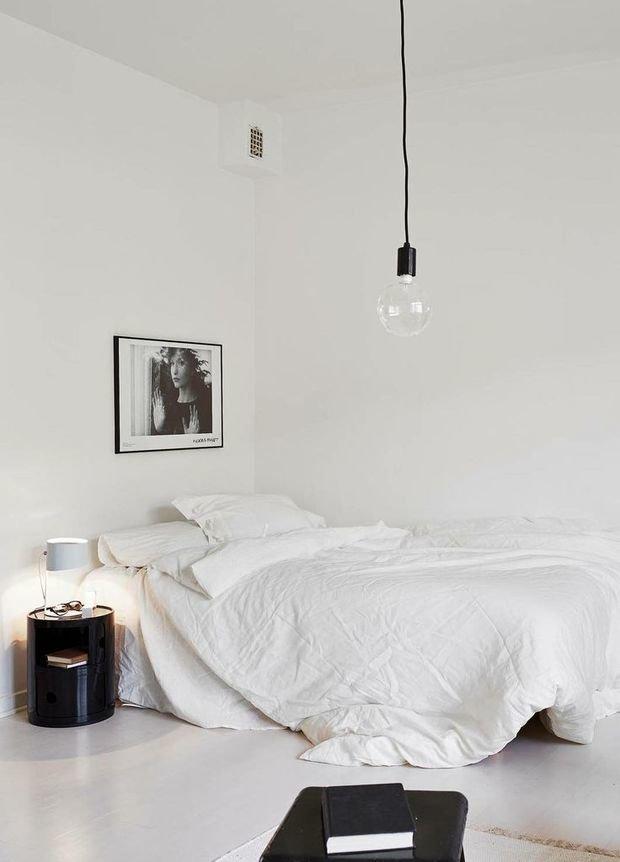 Фотография: Спальня в стиле Лофт, Скандинавский, Декор интерьера, Аксессуары, Декор, Белый, Черный, Желтый, Серый, Бирюзовый – фото на InMyRoom.ru