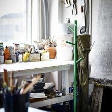Фотография:  в стиле Лофт, Декор интерьера, Карта покупок, Часы, Мебель и свет, Индустрия, IKEA, Светильник, Стол, Ковер, Полки, Журнальный столик, Вешалка, Лампы – фото на InMyRoom.ru