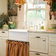 Фотография: Кухня и столовая в стиле Кантри, Дом, Интерьер комнат – фото на InMyRoom.ru