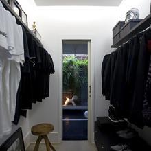 Фотография: Прихожая в стиле Современный, Квартира, Дома и квартиры, Интерьеры звезд – фото на InMyRoom.ru