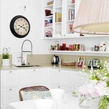 Фотография: Кухня и столовая в стиле Кантри, Современный, Декор интерьера, Квартира, Дом, Интерьер комнат, Цвет в интерьере, Белый – фото на InMyRoom.ru