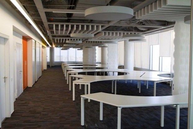 Фотография:  в стиле Лофт, Современный, Офисное пространство, Индустрия, Люди – фото на InMyRoom.ru