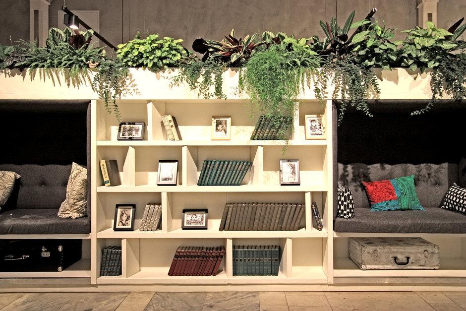 Фотография: Гостиная в стиле Лофт, Декор интерьера, Офисное пространство, Декор дома – фото на InMyRoom.ru