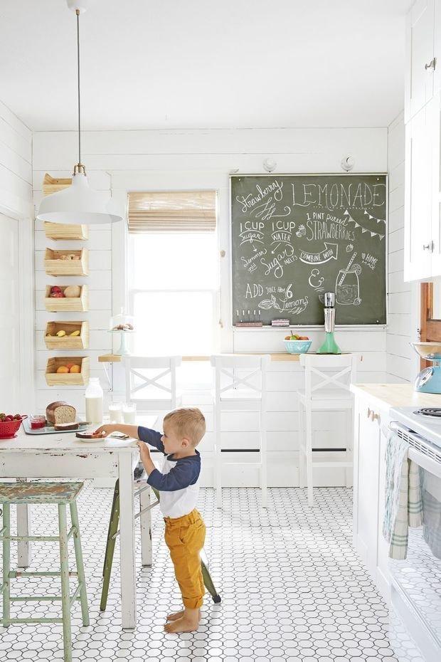 Фотография: Кухня и столовая в стиле Скандинавский, Декор интерьера, Дом, США, Белый, Дом и дача – фото на InMyRoom.ru