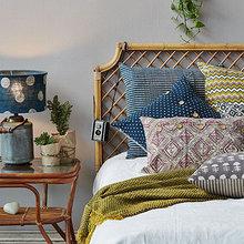 Фотография: Спальня в стиле Кантри, Декор интерьера, Текстиль, Декор, Текстиль, Ткани, Шторы – фото на InMyRoom.ru