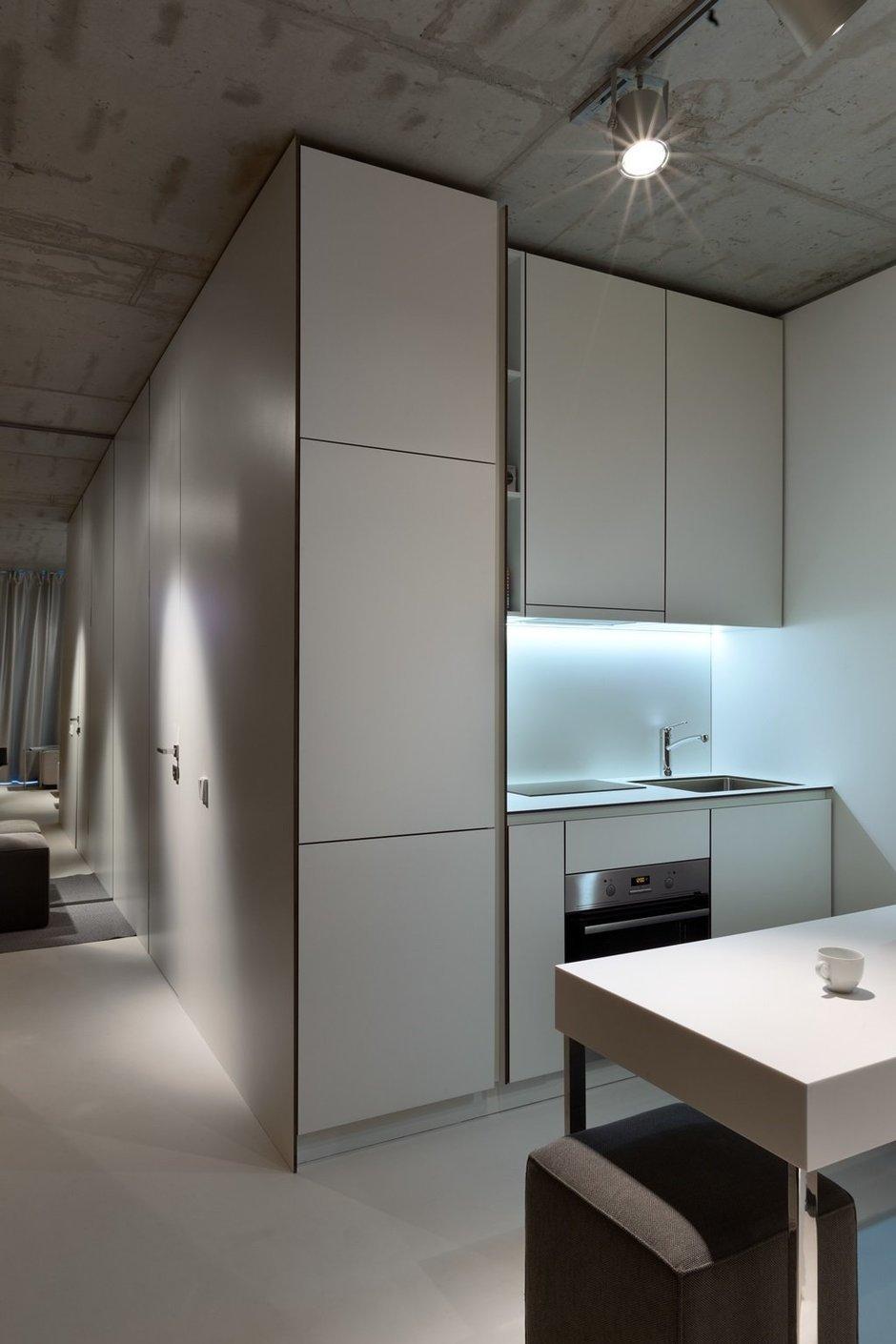 Фотография: Кухня и столовая в стиле Лофт, Малогабаритная квартира, Квартира, Украина, Дома и квартиры – фото на InMyRoom.ru