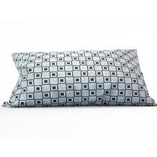 Дизайнерская подушка: Черные квадраты