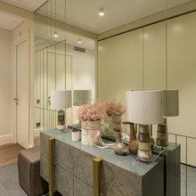 Фото из портфолио Трешка с открытой кухней и кабинетом «за стеклом» – фотографии дизайна интерьеров на INMYROOM