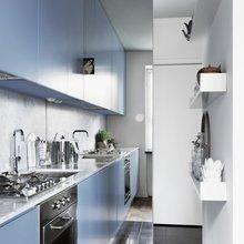 Фотография: Кухня и столовая в стиле Современный, Интерьер комнат, Полки – фото на InMyRoom.ru