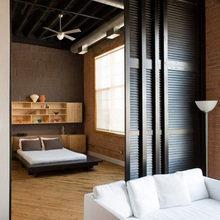 Фотография: Спальня в стиле Лофт, Советы, как совместить спальню с гостиной, как обустроить в одной комнате две зоны, зонирование комнаты – фото на InMyRoom.ru