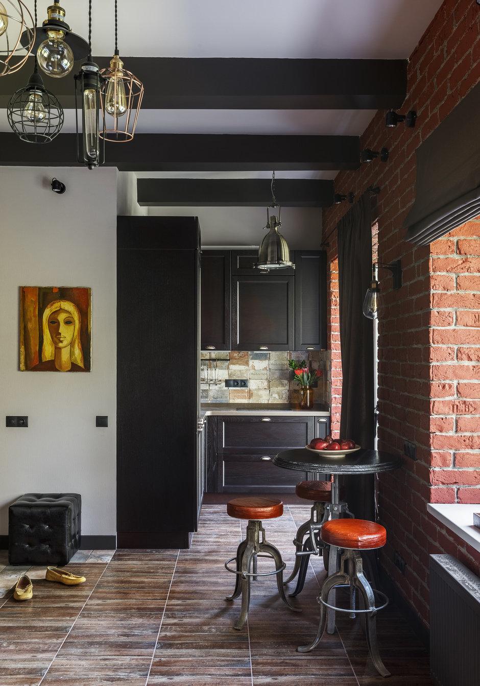Фотография: Кухня и столовая в стиле Лофт, Малогабаритная квартира, Квартира, Студия, Проект недели, Москва, Марина Саркисян, Кирпичный дом, до 40 метров – фото на InMyRoom.ru