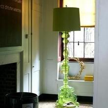 Фотография: Мебель и свет в стиле Кантри, Дом, Индустрия, Люди, Зеркала, Лампы, Подсвечники – фото на InMyRoom.ru