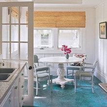 Фотография: Кухня и столовая в стиле Кантри, Дизайн интерьера, Цвет в интерьере, Пол, Индустриальный – фото на InMyRoom.ru