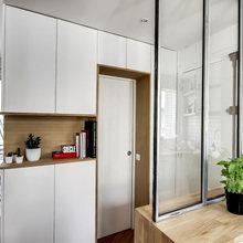 Фотография: Прихожая в стиле Скандинавский, Малогабаритная квартира, Советы, Белый – фото на InMyRoom.ru
