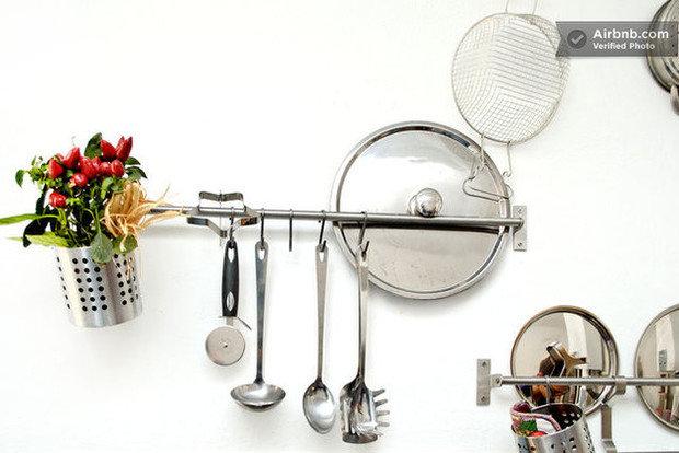 Фотография: Кухня и столовая в стиле Эклектика, Airbnb – фото на InMyRoom.ru