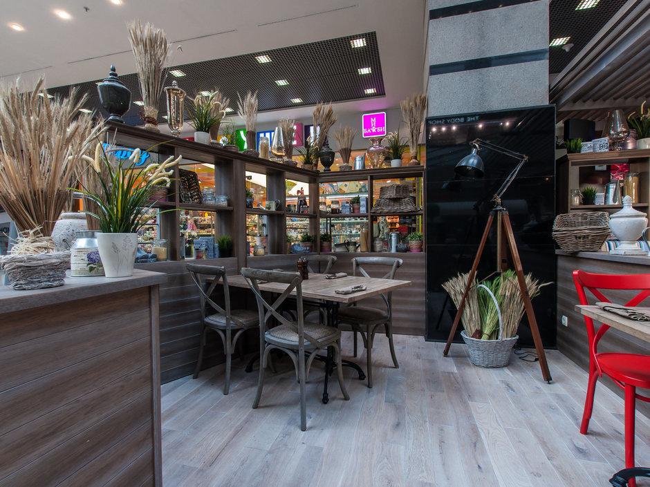 Фотография:  в стиле Прованс и Кантри, Классический, Современный, Дома и квартиры, Городские места – фото на InMyRoom.ru
