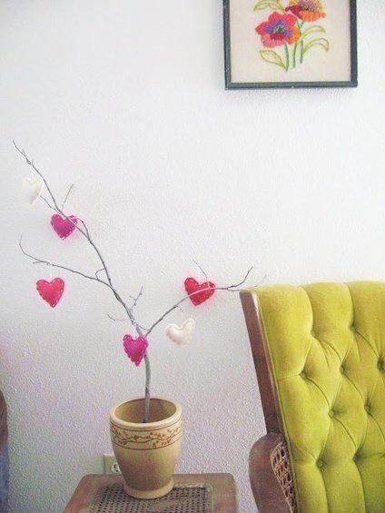 Фотография: Спальня в стиле Прованс и Кантри, Декор интерьера, DIY, Праздник, День святого Валентина – фото на InMyRoom.ru