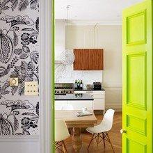 Фотография: Кухня и столовая в стиле Скандинавский, Современный, Декор интерьера, DIY, Дизайн интерьера, Цвет в интерьере, Двери – фото на InMyRoom.ru
