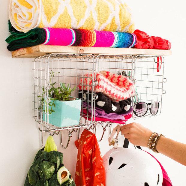 Фотография: Спальня в стиле Прованс и Кантри, Прихожая, Декор интерьера, DIY, Квартира, Аксессуары, Декор, какс делать полку своими руками – фото на InMyRoom.ru