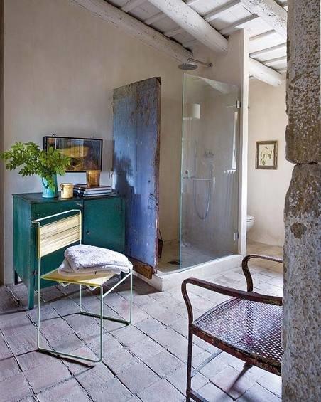 Фотография: Ванная в стиле Прованс и Кантри, Дом, Испания, Дома и квартиры, Современное искусство – фото на InMyRoom.ru