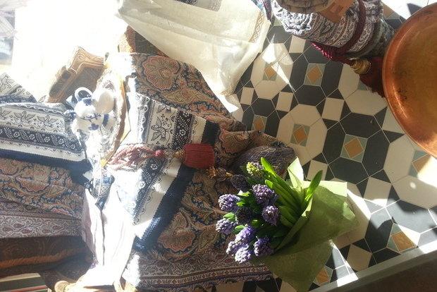 Фотография: Гостиная в стиле Современный, Текстиль, Индустрия, События, Ткани – фото на InMyRoom.ru