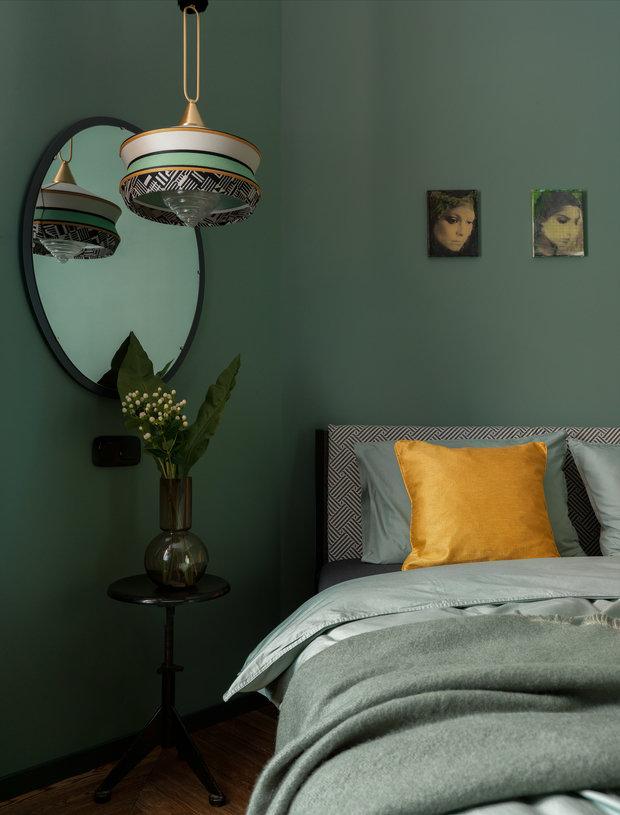 Фотография: Спальня в стиле Современный, Квартира, Проект недели, Москва, Зеленый, Кирпичный дом, 2 комнаты, 40-60 метров, PROPERTY LAB+ART – фото на INMYROOM