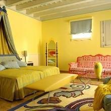 Фотография: Спальня в стиле Кантри, Эклектика, Италия, Дома и квартиры, Городские места, Отель, Ампир, Барокко – фото на InMyRoom.ru