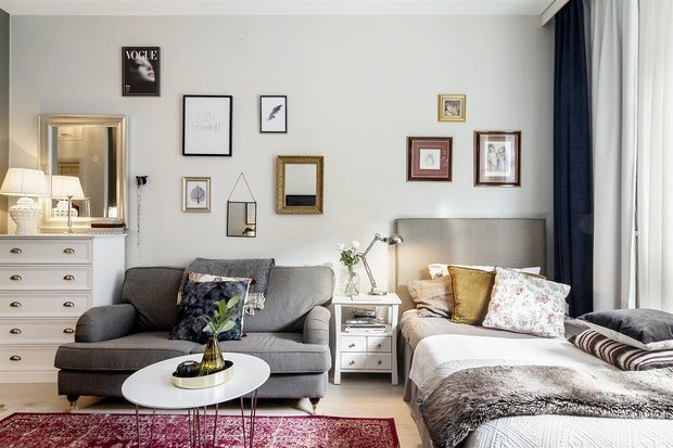 Фотография: Спальня в стиле Скандинавский, Эклектика, Декор интерьера, Малогабаритная квартира, Квартира, Студия, Швеция, Стокгольм, Серый, до 40 метров – фото на INMYROOM