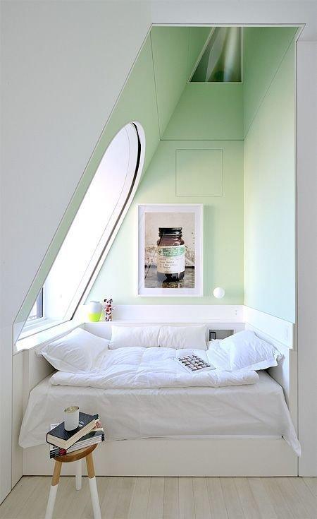 Фотография: Спальня в стиле Скандинавский, Малогабаритная квартира, Квартира, Декор, Советы – фото на InMyRoom.ru