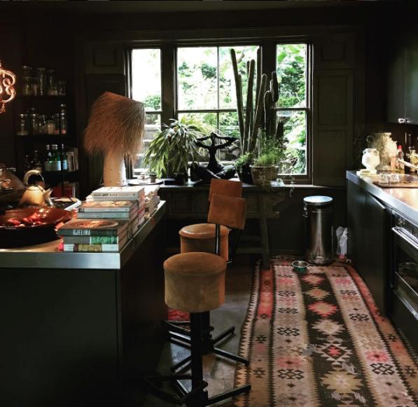 Фотография: Кухня и столовая в стиле Эклектика, Интервью, Правила дизайна, Абигейл Ахерн – фото на INMYROOM