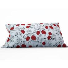 Декоративная подушка: Стильные цветы