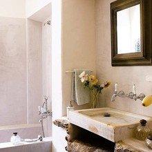 Фотография: Ванная в стиле Кантри, Дом, Дома и квартиры, Балки – фото на InMyRoom.ru