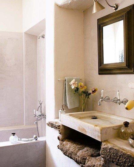 Фотография: Ванная в стиле Прованс и Кантри, Дом, Дома и квартиры, Балки – фото на InMyRoom.ru