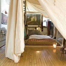 Фотография: Спальня в стиле Восточный, Декор интерьера, Декор дома, Текстиль, Шторы – фото на InMyRoom.ru