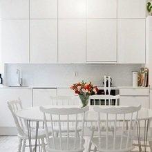 Фотография: Кухня и столовая в стиле Современный, Скандинавский, Малогабаритная квартира, Квартира, Цвет в интерьере, Дома и квартиры, Белый – фото на InMyRoom.ru