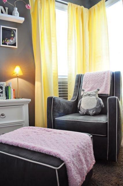 Фотография: Детская в стиле Современный, Гардеробная, Декор интерьера, Хранение, Интерьер комнат, Цвет в интерьере, Проект недели, Желтый, Розовый – фото на InMyRoom.ru