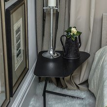 Фотография:  в стиле Современный, Спальня, Декор интерьера, Интерьер комнат, Антиквариат – фото на InMyRoom.ru