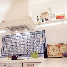 Фотография: Кухня и столовая в стиле Современный, Скандинавский, Эклектика, Квартира, Белый, Проект недели, Голубой, Интервью – фото на InMyRoom.ru