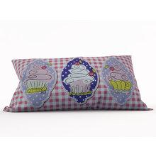 Декоративная подушка: Вишенка на торте