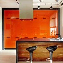 Фотография: Кухня и столовая в стиле Хай-тек, Квартира, Цвет в интерьере, Дома и квартиры – фото на InMyRoom.ru