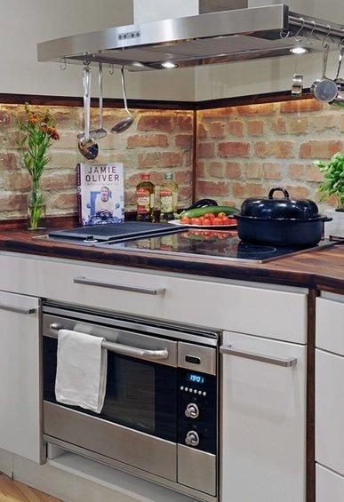 Фотография: Гостиная в стиле Современный, Эко, Кухня и столовая, Декор интерьера, Дом, Декор дома, Плитка, Мозаика, Кухонный фартук – фото на InMyRoom.ru