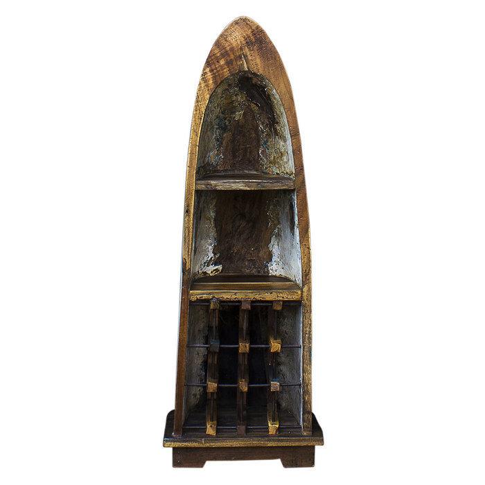 Винный шкаф Одиссей из старой рыбацкой лодки
