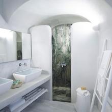 Фото из портфолио Люкс в пещере на греческом острове Санторини – фотографии дизайна интерьеров на InMyRoom.ru
