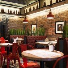 Фото из портфолио Бургерная Ketch Up Burgers на Литейном – фотографии дизайна интерьеров на InMyRoom.ru