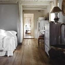 Фотография: Спальня в стиле Кантри, Дом, Швеция, Антиквариат, Дома и квартиры – фото на InMyRoom.ru