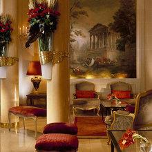 Фотография: Гостиная в стиле Классический, Дома и квартиры, Городские места, Отель – фото на InMyRoom.ru
