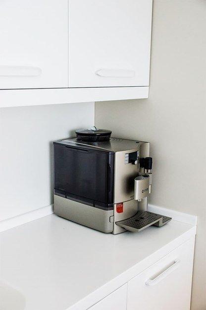 Фотография: Кухня и столовая в стиле Прованс и Кантри, Интерьер комнат, Elle Decoration – фото на InMyRoom.ru