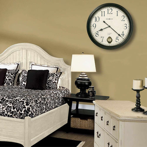Фотография: Спальня в стиле Прованс и Кантри, Классический, Современный, Декор интерьера, Часы, Декор дома – фото на InMyRoom.ru