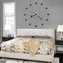 Фотография: Спальня в стиле Классический, Современный, Декор интерьера, Часы, Декор дома – фото на InMyRoom.ru