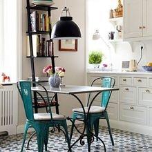 Фотография: Кухня и столовая в стиле Кантри, Малогабаритная квартира, Советы, Интервью – фото на InMyRoom.ru